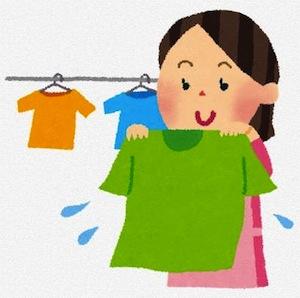 洗濯物を干すお母さんのイラスト